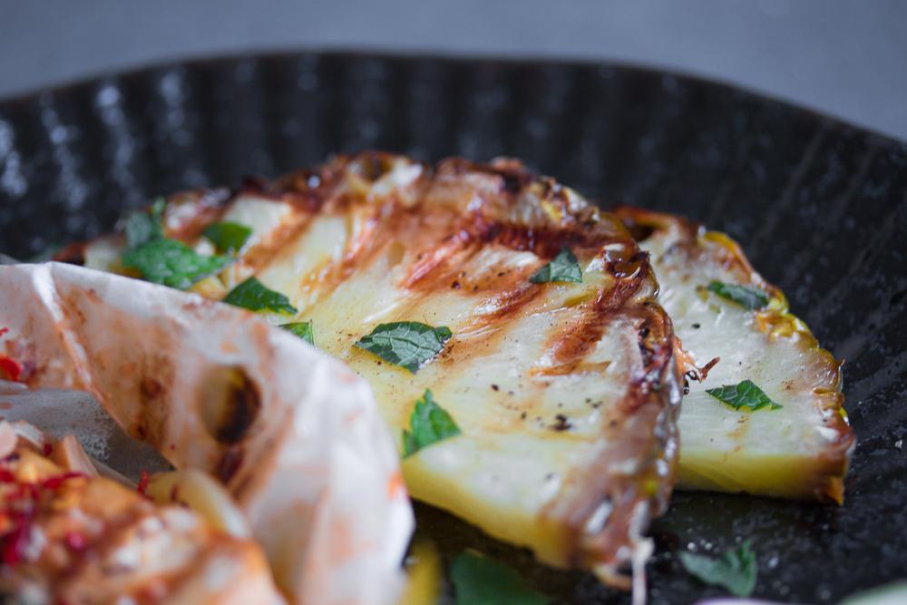 Ananas-vom-Grill-mit-FV-Sesam-l-ger-stet-FV-Soja-Sauce-1