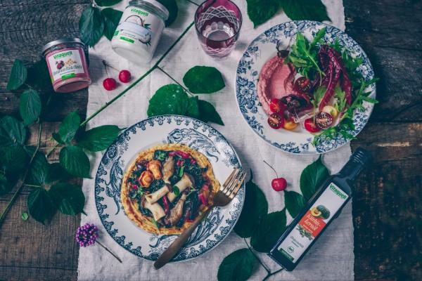 Socca-mit-Mangold-Waldpilzen-mit-FV-Kokos-l-mild-FV-K-rbiskern-l-und-FV-Hummus-Rote-Bete-2